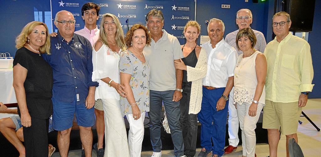 Entrega de trofeos del torneo Toni Nadal de tenis