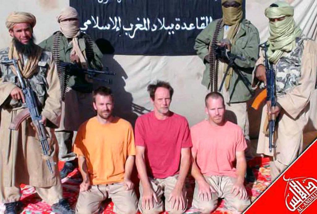 Al Qaeda exhibe a cinco secuestrados para certificar que no tiene a Gonyalons