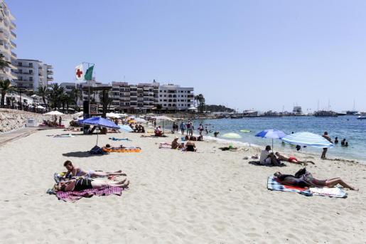 Imagen de la playa de Santa Eulària.