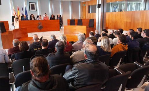 Imagen de la reunión celebrada ayer en la sede del Consell d'Eivissa con los representantes de los diferentes ayuntamientos.