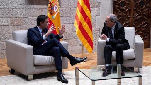 El presidente del Gobierno, Pedro Sánchez, y el president de la Generalitat, Quim Torra, durante su encuentro el pasado jueves.