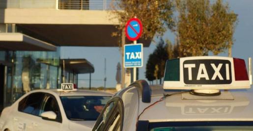 Imagen de archivo de una estación de taxis.