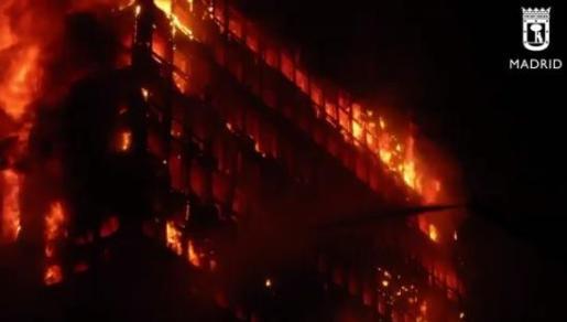 Captura de pantalla del vídeo de Emergencias Madrid sobre los 15 años del incendio del edificio Windsor.