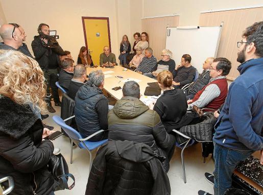 Aitor Morrás se reunió ayer, por enésima vez, con los representantes de los taxistas.