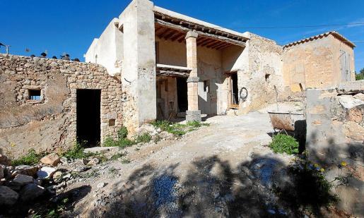 Imagen de la casa sobre la que se pretendía construir el hotel rural de Cala d'Hort.