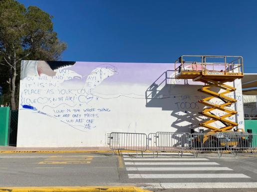 En la imagen, el muro escogido para la realización del mural cuyos trabajos, que comenzaron hace unos días, durarán una semana.