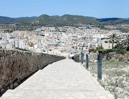 Imagen de la ciudad de Ibiza en dirección a la zona de Can Misses, donde existen varias promociones en construcción.