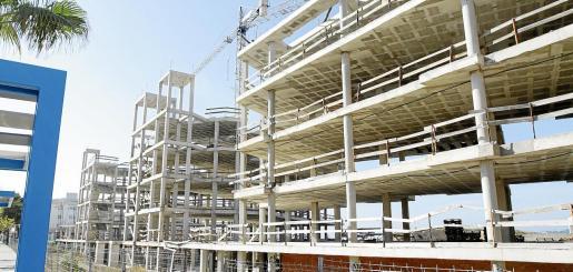 El Govern legalizará edificios inacabados durante la crisis para destinarlos a VPO.