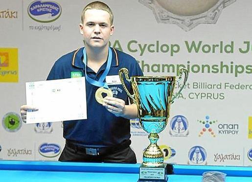 Souto, con sus galardones de campeón mundial sub-19.