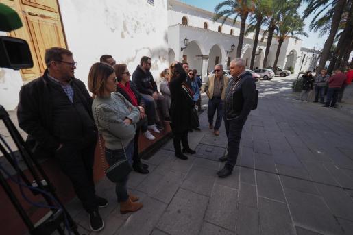 Concentración de los taxistas en Vara de Rey.