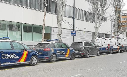 La pareja fue detenida por la Policía Nacional tras cometer el robo con fuerza.