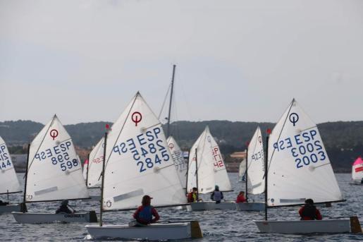 El Club Nàutic Sant Antoni organiza evento deportivo y contará con un total de 80 participantes.