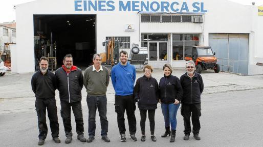 De izquierda a derecha el equipo de Eines Menorca con Miguel Villalonga, Antonio Barber, Miquel Villalonga, Joan Villalonga, Antonia Oliver, Maria Garcia y Rafael Campos.