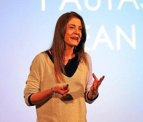 Un instante de la conferencia de Maribel Martínez.