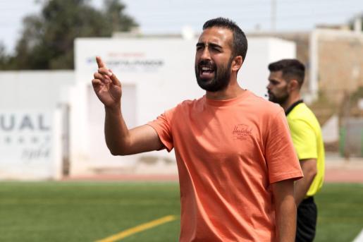 Ivan Gómez Roa durante un partido con el Formentera.