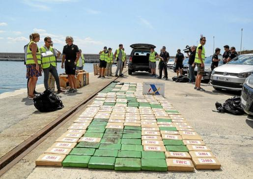El valor de la cocaína intervenida en aguas de Ibiza superaba los 18.000.000 de euros.