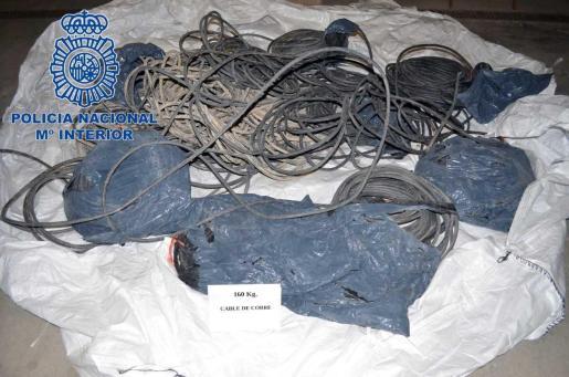 Parte del cableado de cobre robado en Ibiza.