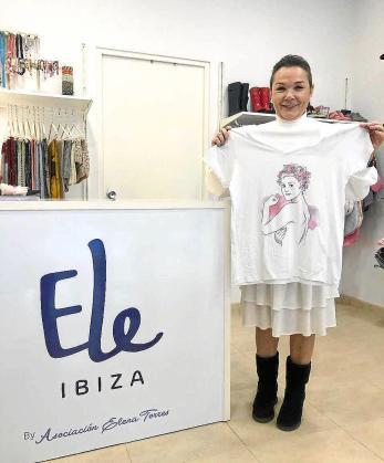 La tienda solidaria de la asociación Elena Torres está abierta de lunes a viernes de 10.30 a 13.30 horas y de 17.00 a 20.00 horas. Los sábados abre en horario de mañana.