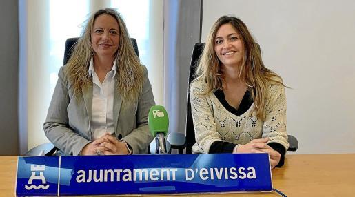 La concejala de Bienestar Social, Carmen Boned, junto a la gerente de Apfem, Antonella Greco.