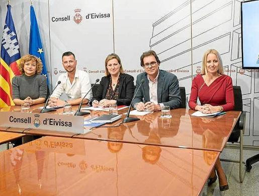 Un momento de la rueda de prensa que se celebró ayer en el Consell d'Eivissa.
