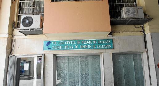 La sede del Colegio de Médicos de Ibiza se encuentra en la calle Catalunya.