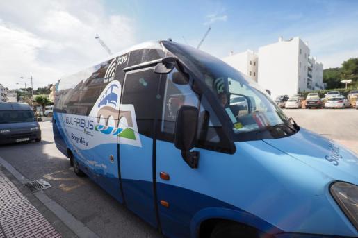 Punto en el que se detiene el Eularibus, próximo a la parada de autobuses, y prosigue su ruta hacia el centro de salud.