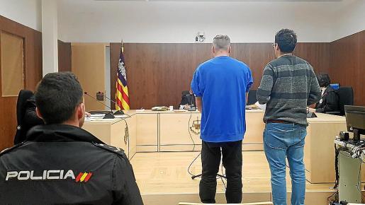 El acusado por el robo de 18 botellines de cerveza declaró que estaba con sus amigos Tom y Jerry.