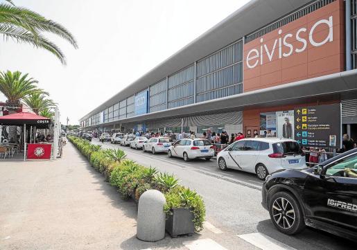 Imagen de la carretera que llega al aeropuerto de Ibiza.