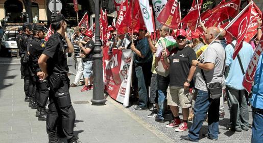 Las organizaciones sindicales realizaron numerosas protestas en la época de José Ramón Bauzá contra los recortes salariales que aprobó aquel Ejecutivo.