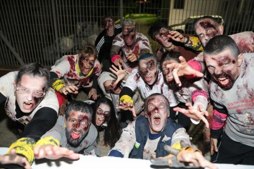 Los participantes disfrutaron de casi seis horas de supervivencia zombie.