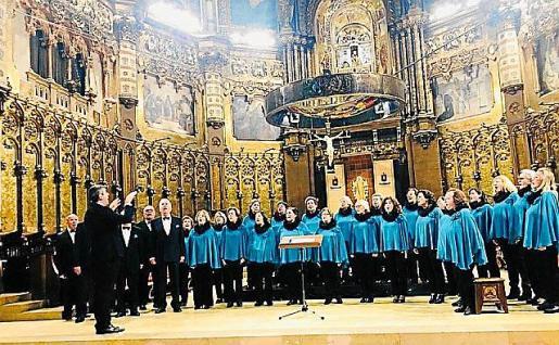 Actuación del Coro de Sant Josep en la Basílica de Monterrat.