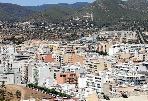 Si bien el precio de la vivienda en Vila ya era de los más altos de España en 2015, a mediados de ese año era el octavo. La subida desde aquel año ha sido notable, llegando a ser el municipio más caro el segundo trimestre de 2019.