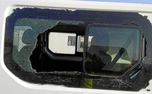El detenido rompía las ventanillas o lunas de los vehículos que luego desvalijaba.