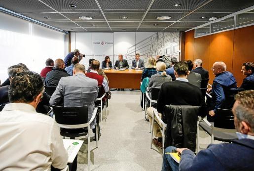 Imagen de la reunión celebrada ayer en el Consell d'Eivissa.