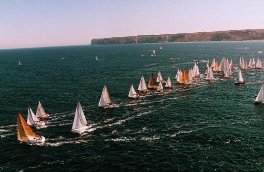 Imagen de archivo de la salida de una regata.