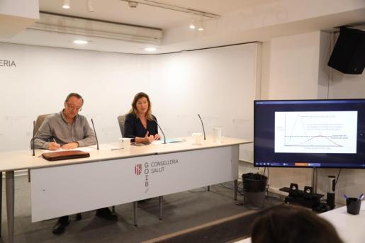 Momento de la rueda de Patricia Gómez en la que ha informado de los nuevos datos sobre el coronavirus en Baleares.