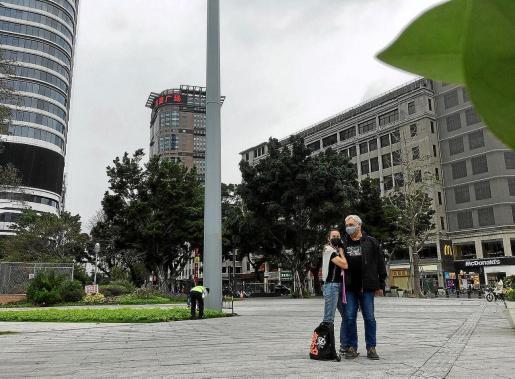 Ana Escandell y su pareja, Fernando, residen cuatro meses al año a las afueras de Guangzhou, en Xitang.