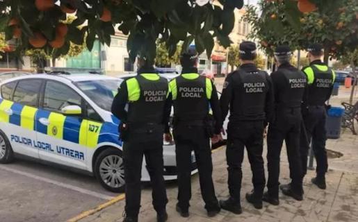 Imagen de las patrullas de la policía local ante el estado de alarma.