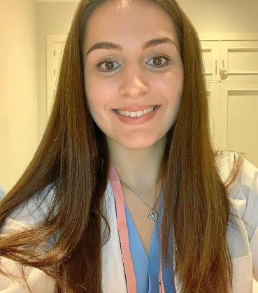 Marina Marí trabaja desde el viernes en el Hospital de Henares para reforzar la atención ante el coronavirus.