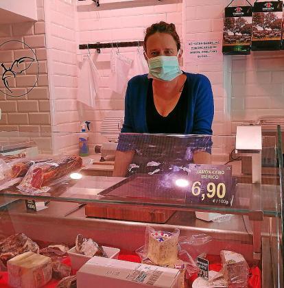 Yvonne Aranyó, en su establecimiento en la calle Isidor Macabich.