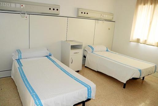 Una de las habitaciones de la residencia que está preparada para recibir enfermos de COVID-19.