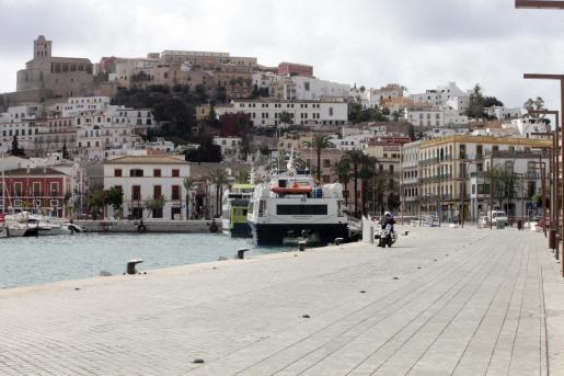 El puerto de Ibiza, vacío por el coronavirus.