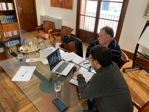 El conseller Iago Negueruela y Llorenç Pou, director general de Model Econòmic.