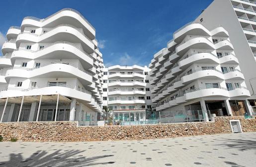 Los apartamentos de Figueretes en los que se alojan varios sanitarios.