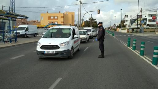 Control de la Policía Nacional en Ibiza.