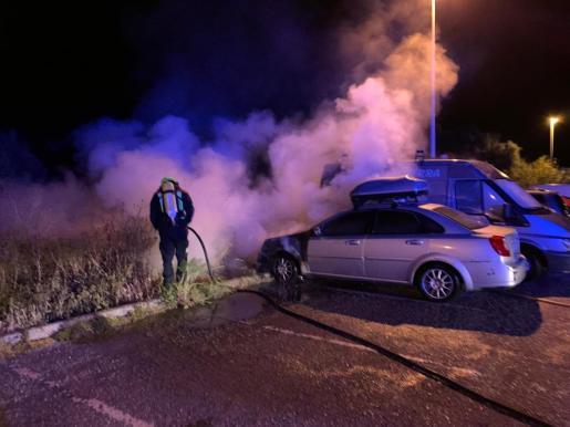 Imagen del incendio en el aparcamiento.