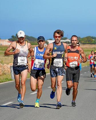 FORMENTERA . ATLETISMO. Media Maratón de Formentera y carrera de 8 kilómetros. El gallego Fernández y la pamplonica Casares se llevan los 21 kilómetros de la pitiusa sur, mientras que Corbacho y Brummel ganan la 8K.