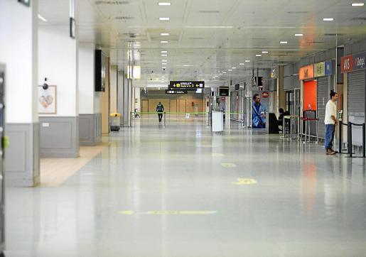 La zona de llegadas del aeropuerto de Ibiza, casi sin movimiento estos días.