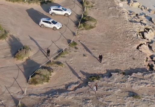 Una patrulla de la Policía Local vista desde el dron.