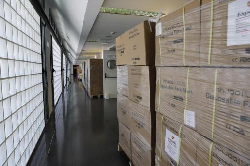 Imagen del material sanitario almacenado en el Hospital Universitario de Son Espases.
